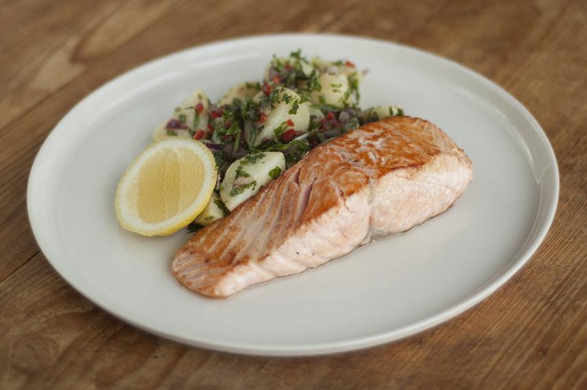 Pan-roasted salmon with warm potato salad | HelloFresh Blog