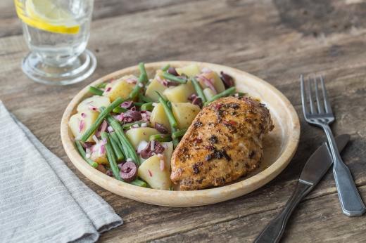 Greek Chicken with Fresh Oregano, Beans, & Kalamata Olives ›› http://bit.ly/1aIkgje