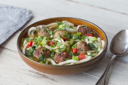 Ginger Pork Meatballs in Udon Noodle Soup ›› http://bit.ly/1BuTDIW