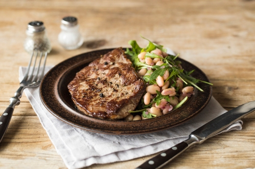 Grilled Porterhouse Steak with Italian Cannellini & Rocket ›› http://bit.ly/1MYNPLg