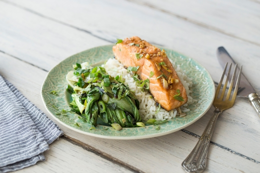 Seared Asian Style Salmon ›› http://bit.ly/1CeNgtq