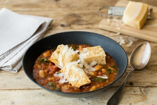 Rustic Italian Soup with Bacon & Ciabatta ›› http://bit.ly/1Ii4hH1