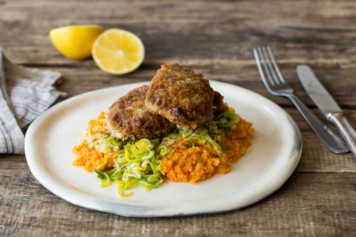 Crumbed Lamb with Sweet Potato Mash ›› http://bit.ly/1H2k3W4