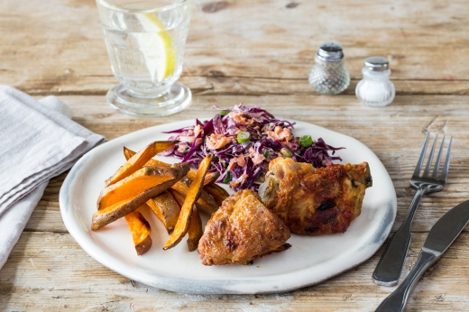 Southern Crispy Chicken with Healthy Slaw & Fries ›› http://bit.ly/1LwYZHW