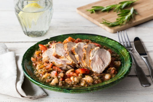 Boston 'Baked' Beans with Tender Pork & Kale ›› http://bit.ly/1LwYYUx